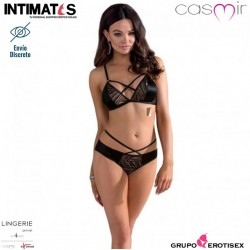Lara · Bikini llamativo · Casmir
