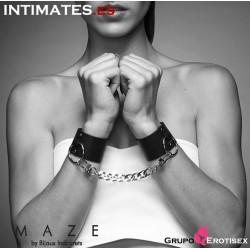 Esposas y brazalete negro · Maze