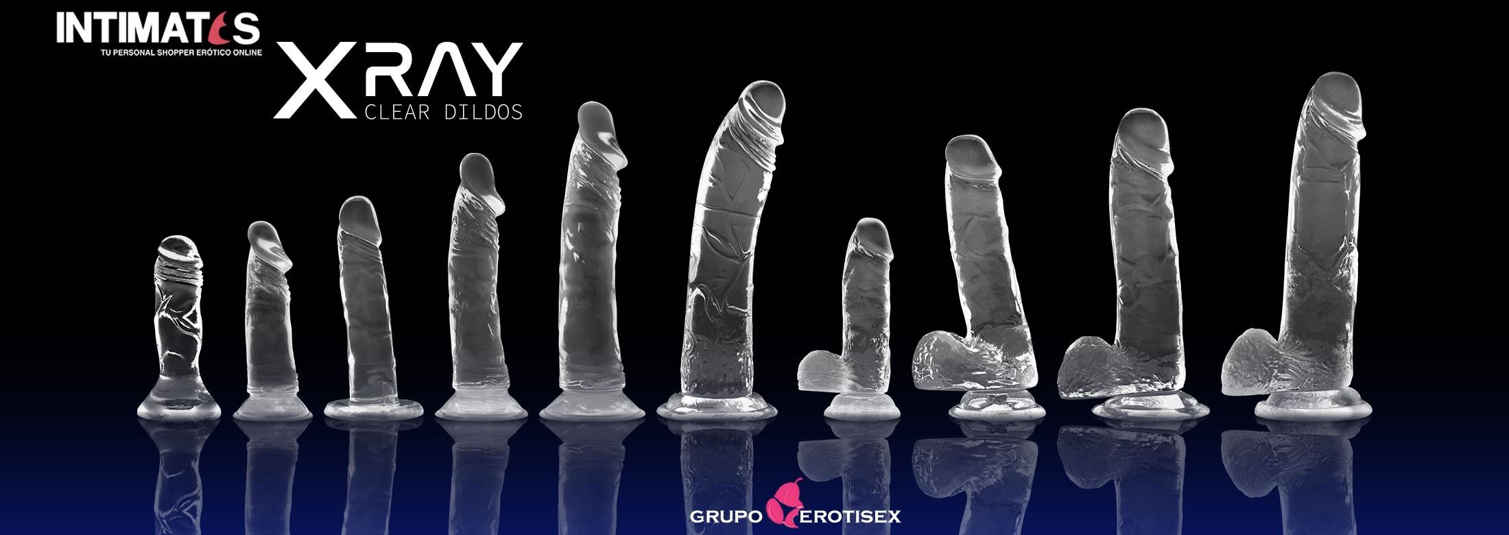 X Ray Clear es una auténtica experiencia de placer que combina una formula especialmente desarrollada que optimiza la sensación suave y sedosa con la firmeza de un dildo realístico completamente transparente.